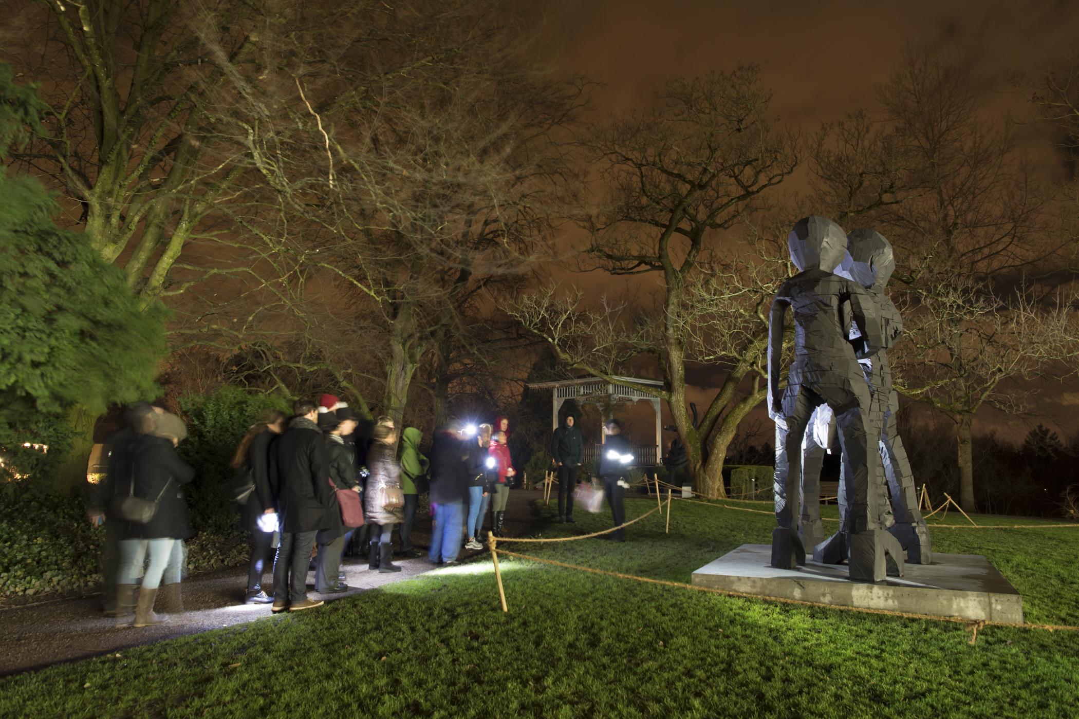 Museumsnacht 2018 Park der Fondation Beyeler mit Skulptur von Georg Bas